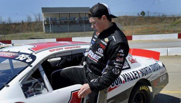 Moffitt Tops Greenville Charts
