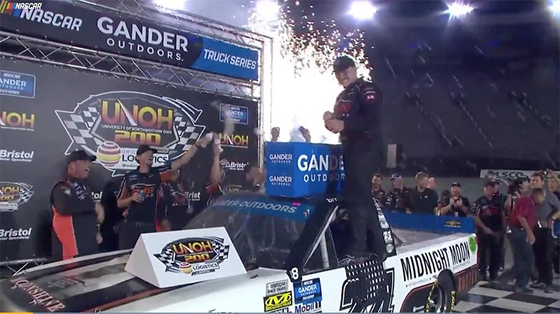 Brett Moffitt advances to the Playoffs Round of 6 with win at Bristol